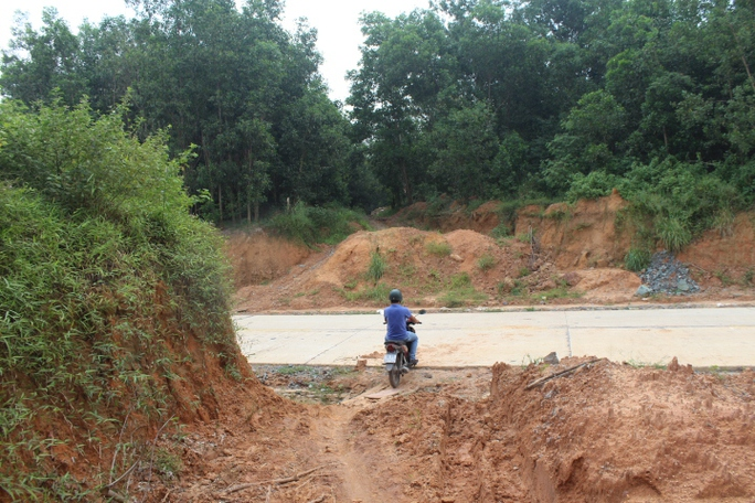 Cận cảnh khu mỏ đá và trạm BOT liên quan phó bí thư Đồng Nai - Ảnh 8.