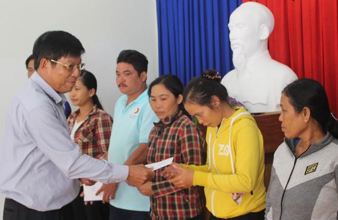 Công ty Đèo Cả và Báo Người Lao Động cứu trợ vùng tâm bão - Ảnh 5.