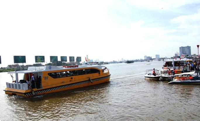 Buýt đường sông đã chính thức vận hành - Ảnh 2.