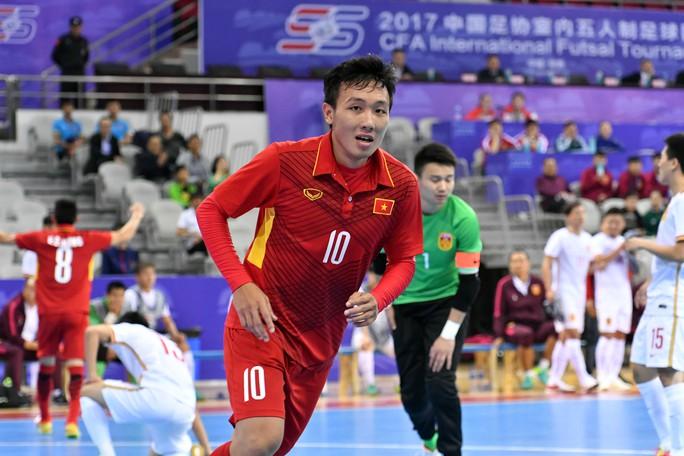 Clip: Rượt đuổi tỉ số, futsal Việt Nam ngược dòng hạ Trung Quốc - Ảnh 3.