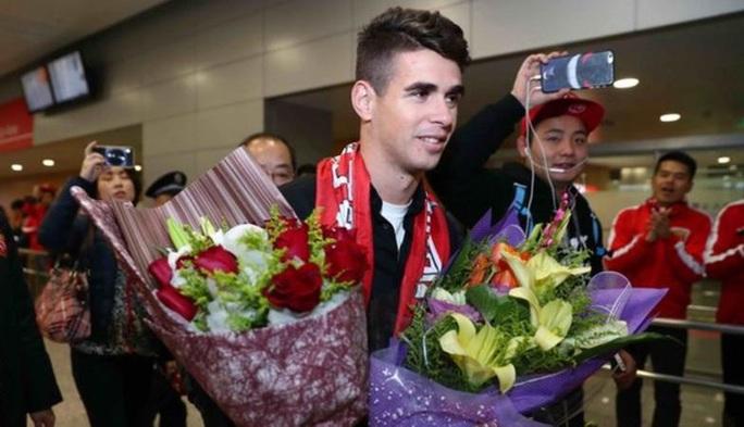 Oscar nhận lương 400.000 bảng Anh/tuần ở Thượng Hải SIPG