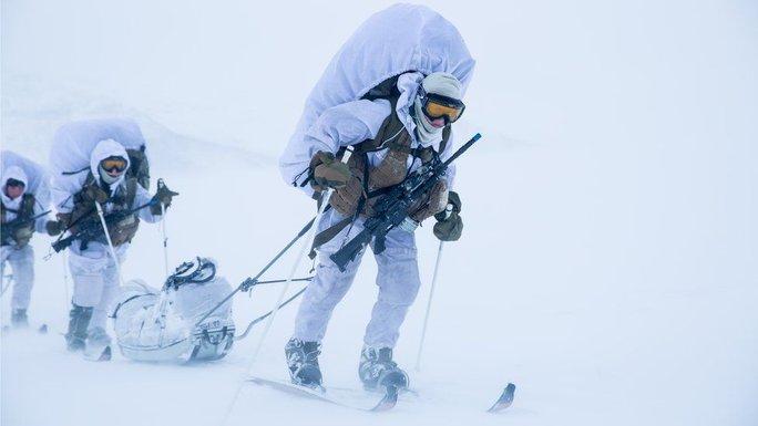 Tuần tra mùa đông, một bài quan trọng của khóa học. Ảnh: Norwegian Special Forces