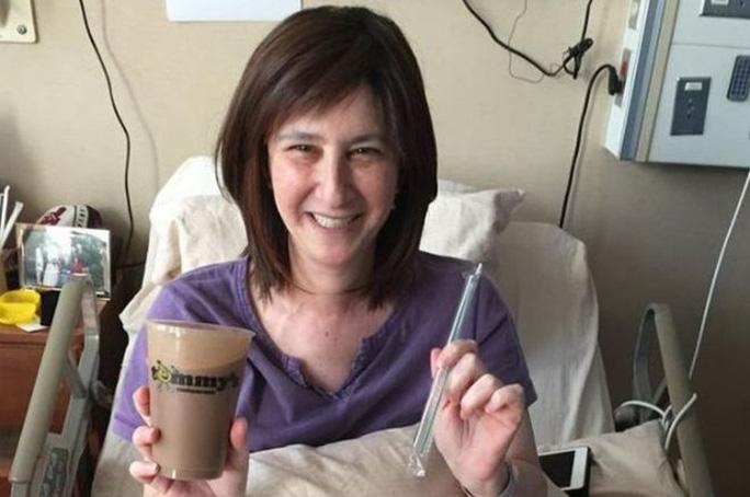 Vượt 680 km để giao trà sữa cho bệnh nhân chờ chết - Ảnh 1.