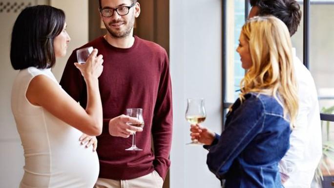Đừng nghĩ một chút bia, rượu vang là không sao - Ảnh 1.
