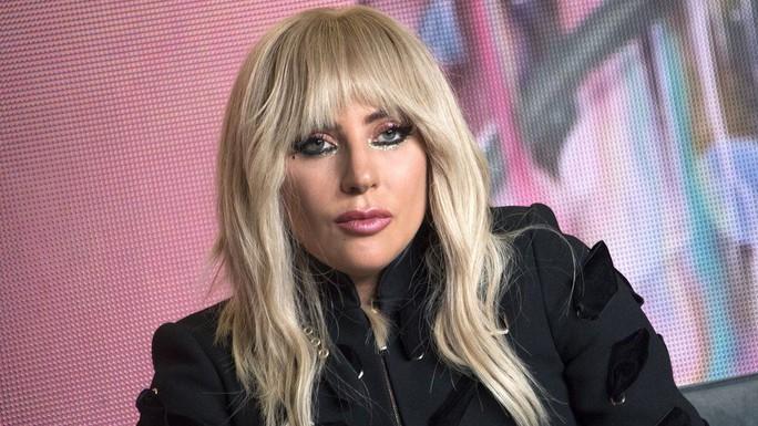 Lady Gaga vật lộn với tình trạng sức khỏe mỗi ngày - Ảnh 1.