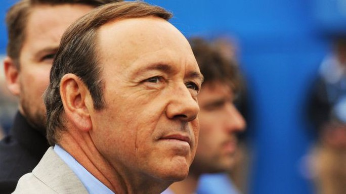 Cơn bão cáo buộc quấy rối tình dục vẫn càn quét Hollywood - Ảnh 2.