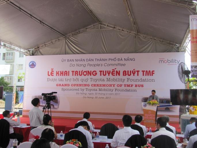 Đà Nẵng:  Khai trương tuyến buýt TMF miễn phí vé  một năm - Ảnh 1.