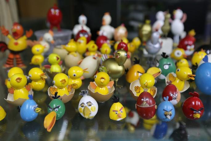 Tính đến nay, ông Nguyễn Thành Tâm đã tạo hình bằng vỏ trứng 700 biểu tượng.