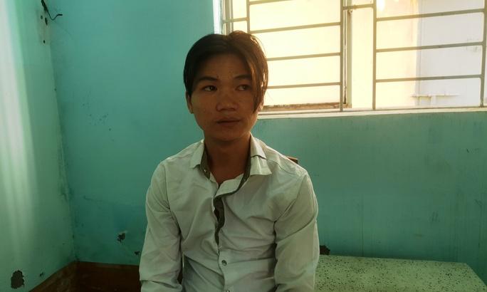 Cứa cổ, cướp xe Suzuki Sport táo tợn ở Sài Gòn - Ảnh 1.