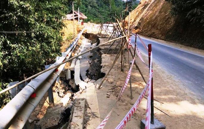 Quốc lộ gần 100 triệu đô ở Thanh Hóa sụt lún kinh hoàng - Ảnh 3.