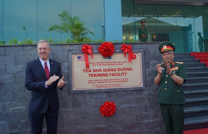 Mỹ tài trợ 10 triệu USD cho lực lượng Gìn giữ hòa bình Việt Nam - Ảnh 3.