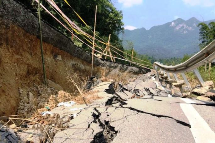 Quốc lộ gần 100 triệu đô ở Thanh Hóa sụt lún kinh hoàng - Ảnh 7.