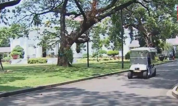Tổng thống Indonesia trực tiếp lái xe chở Tổng Bí thư - Ảnh 2.
