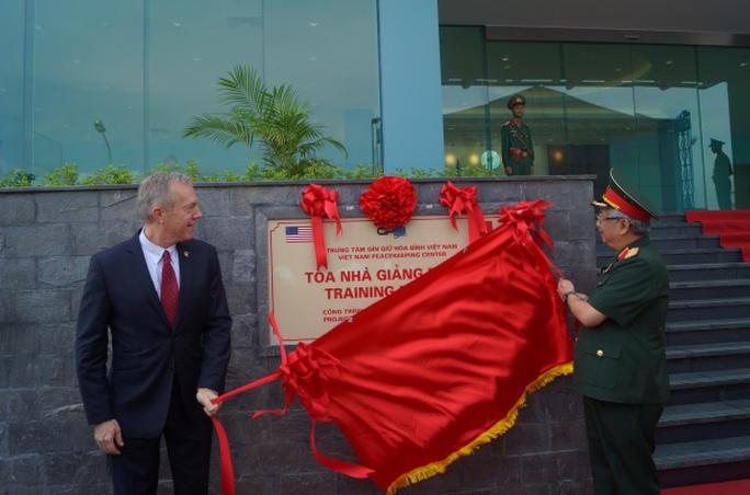 Mỹ tài trợ 10 triệu USD cho lực lượng Gìn giữ hòa bình Việt Nam - Ảnh 2.