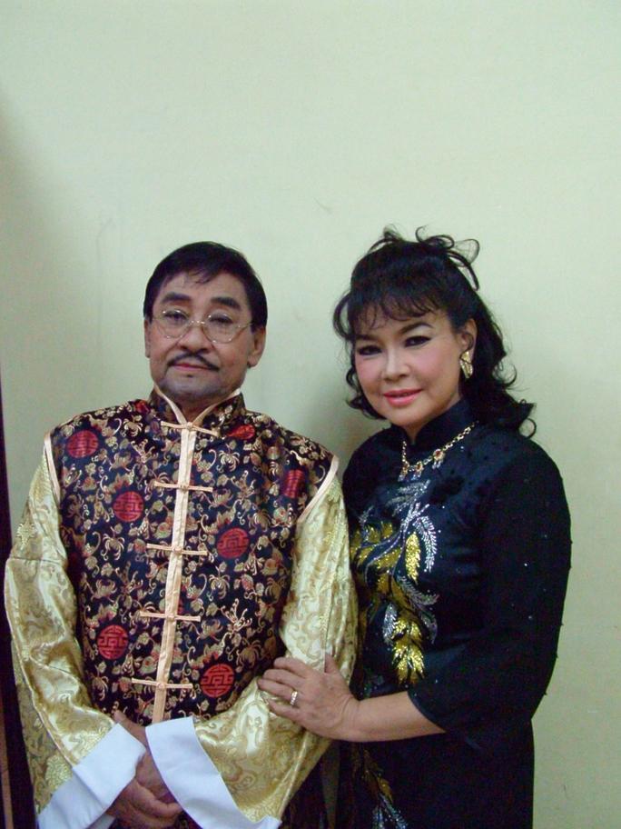 NSƯT Tô Kim Hồng thay chồng lo giỗ NSND Phùng Há - Ảnh 2.