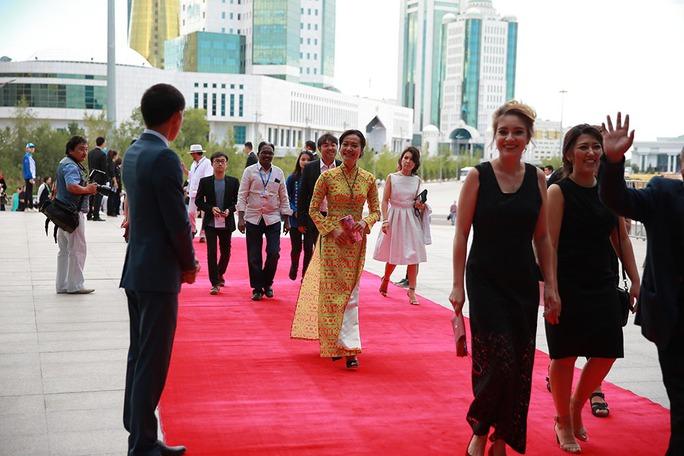 Phim của Hồng Ánh lại đoạt giải quốc tế - Ảnh 1.