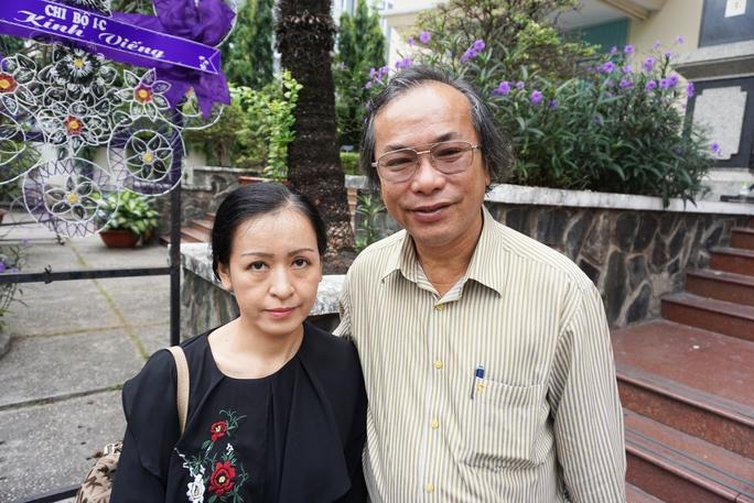 NSƯT Tiến sĩ Nguyễn Thị Hải Phượng và nhạc sĩ Phan Hồng Sơn