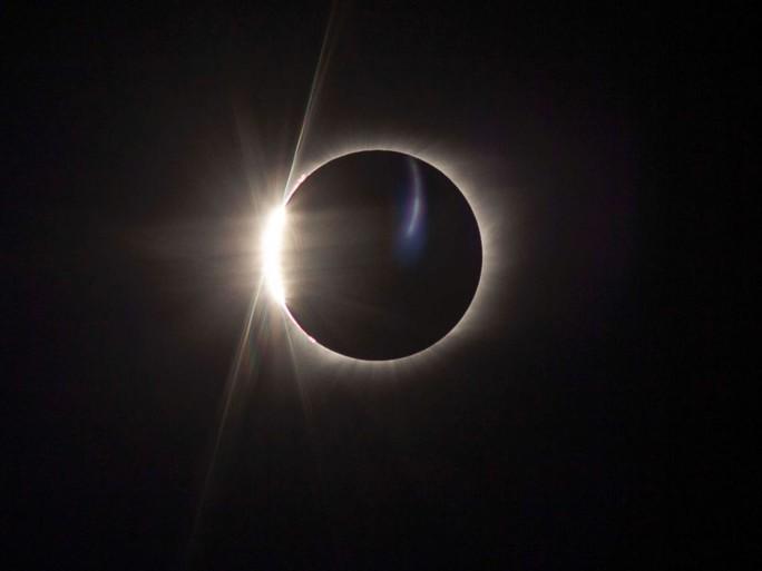 Chiêm ngưỡng nhật thực toàn phần tại Mỹ - Ảnh 10.