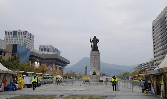 Hàn Quốc thắt chặt an ninh đón Tổng thống Donald Trump - Ảnh 4.