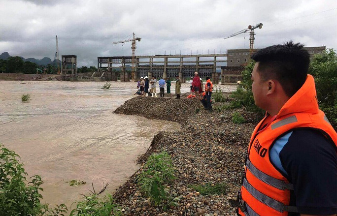 Thanh Hóa: Báo cáo thiệt hại lờ 2 người chết do mưa bão - Ảnh 1.