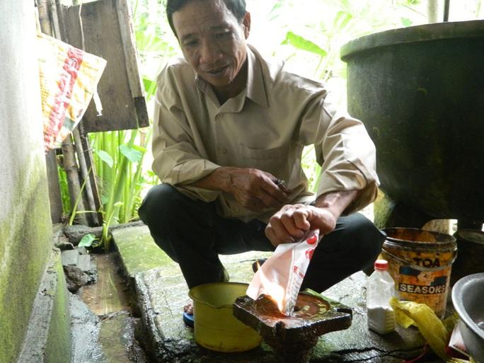 Ông Trương Xuân Hiến, chủ nhân của chiếc giếng khoan có dòng khí phát lửa