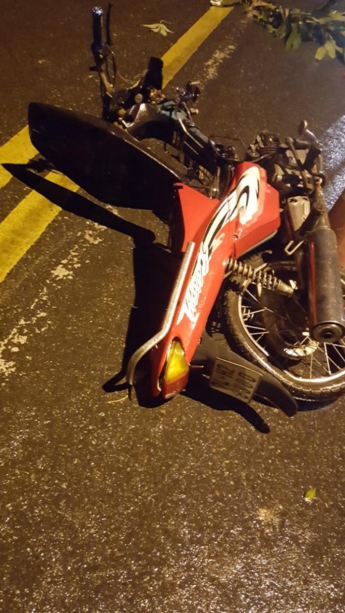 Ô tô tông xe máy văng gần 30m, khiến 1 người tử vong - Ảnh 2.