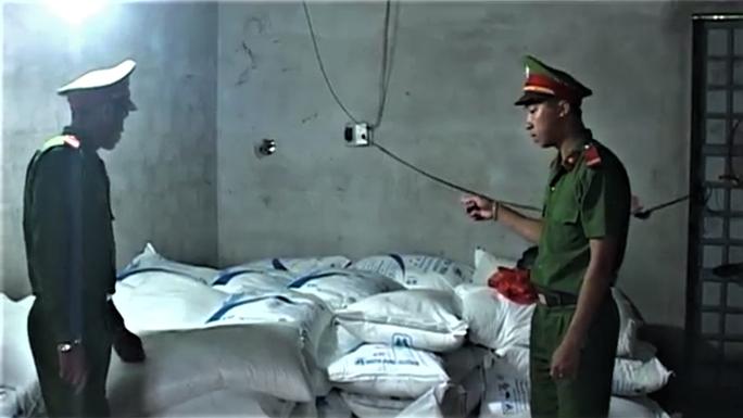Liên tiếp bắt 2 lô hàng lậu ở một xã vùng biên Quảng Trị - Ảnh 2.
