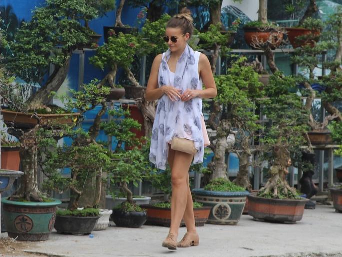 Dạo bước ở chợ hoa Nha Trang