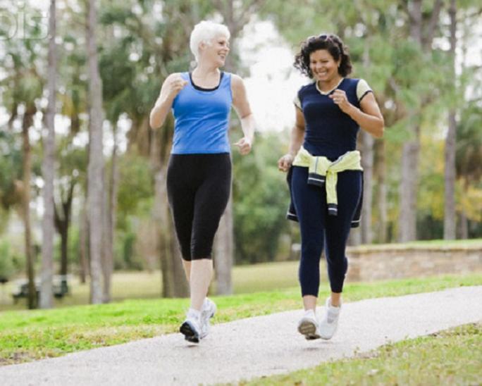 Đi bộ nhanh giúp cải thiện cân nặng, huyết áp và mức độ cholesterol trong máuẢnh: HNGN