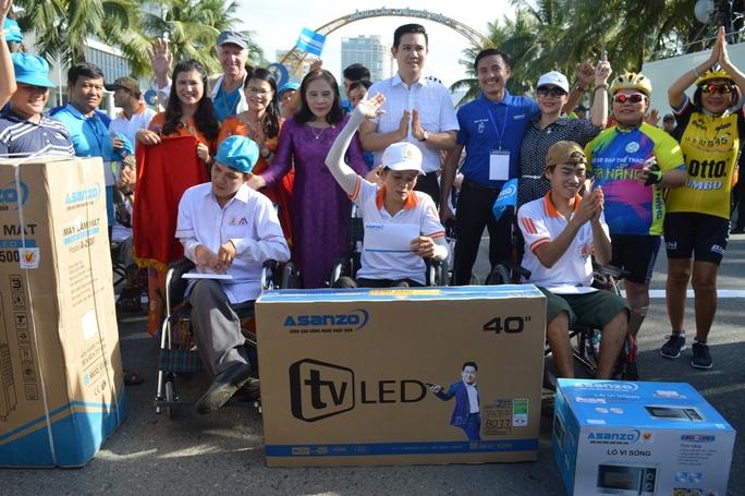 Vận động hơn 1,2 tỉ đồng làm từ thiện thông qua giải đua xe đạp - Ảnh 3.