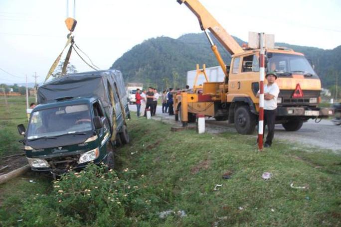 Tông chết bò đang gặm cỏ bên đường, tài xế phải đền 38 triệu đồng - Ảnh 2.
