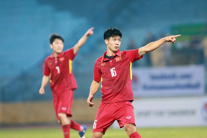 Công Phượng, Xuân Trường ngày một trưởng thành và trở thành hạt nhân của tuyển Việt Nam nhờ chính sách mạnh dạn cho đá V-League từ rất sớm của bầu Đức