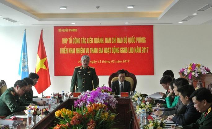 Thượng tướng, Thứ trưởng Bộ Quốc phòng Nguyễn Chí Vịnh phát biểu tại cuộc họp