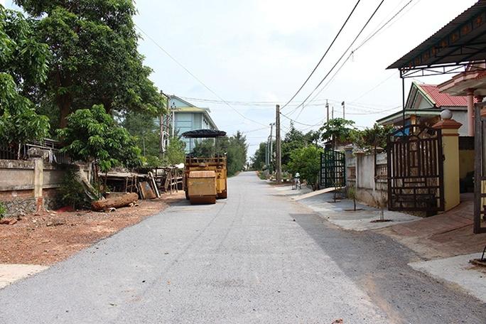 Tỉnh thưởng 5 tỉ đồng cho thành phố vì đạt Nông thôn mới - Ảnh 1.
