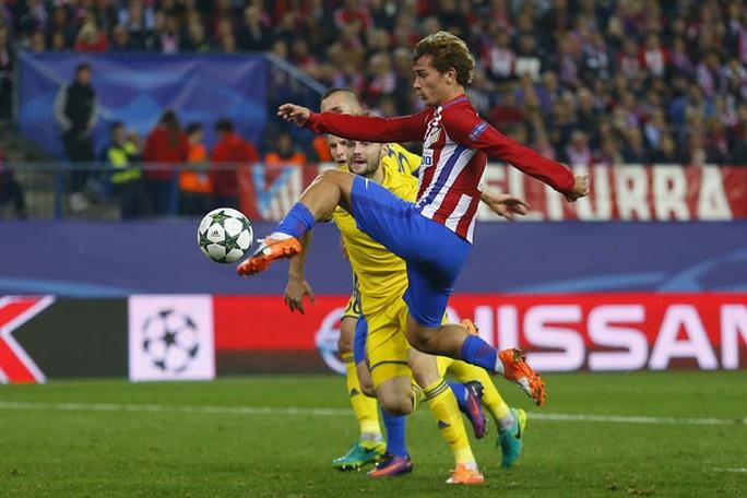 UEFA công bố 10 bàn thắng đẹp nhất Champions League - Ảnh 5.