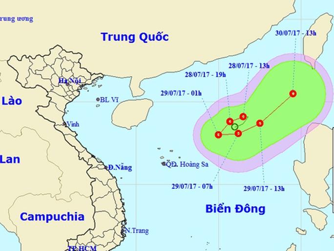 Áp thấp nhiệt đới di chuyển lạ trên Biển Đông - Ảnh 1.