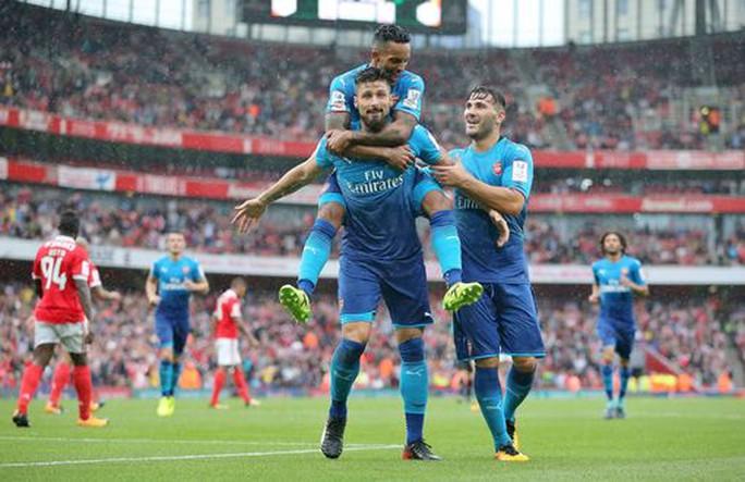 Arsenal, Liverpool cùng thắng lớn - Ảnh 1.