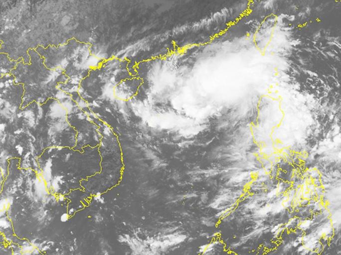 """Áp thấp nhiệt đới lao """"phi mã"""", miền Trung đối mặt mưa lớn - Ảnh 2."""