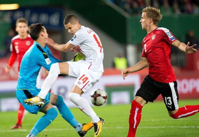 Lộ cầu thủ Mourinho xem giò trận Áo - Serbia - Ảnh 3.