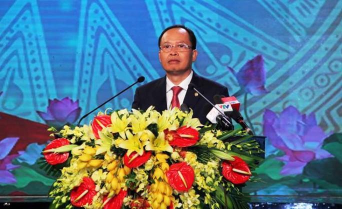 Ông Trịnh Văn Chiến, Ủy viên Trung ương đảng, Bí thư Tỉnh ủy Thanh Hóa, phát biểu ôn lại truyền thống 70 năm lần đầu Bác Hồ về thăm