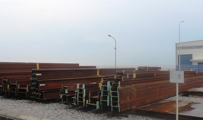 Thép nguyên liệu cho các công trình khác nhau được phân loại bằng ký hiệu màu sắc. Hiện nguyên liệu công trình cầu của Bangladesh được ký hiệu màu nâu đỏ