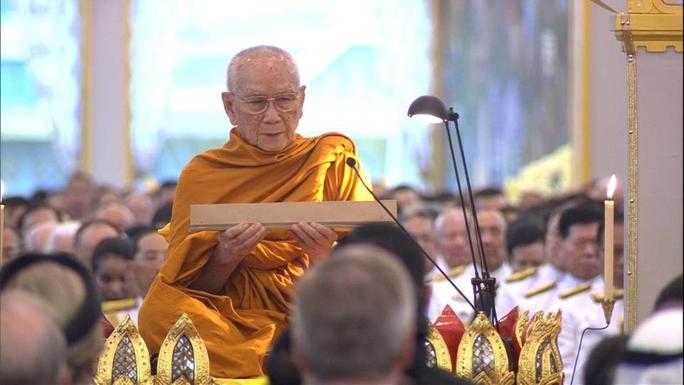 Thái Lan: Thi hài cố quốc vương được đưa vào tháp hỏa táng - Ảnh 10.
