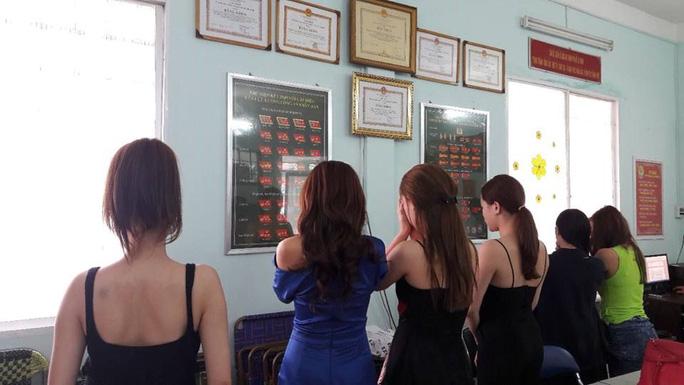 Sốc: Hàng chục diễn viên, người mẫu ở Sài Gòn bán dâm - Ảnh 2.