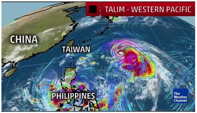 Đến lượt Trung Quốc chạy trốn siêu bão - Ảnh 1.