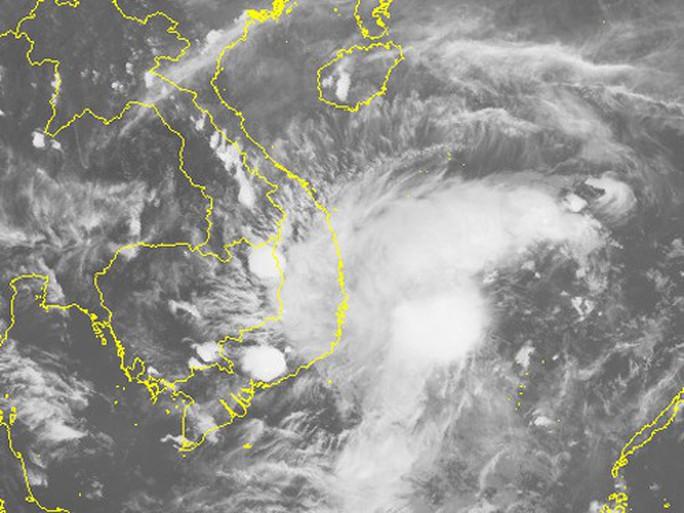 Bão số 14 khả năng đổ bộ Khánh Hòa-Bình Thuận vào trưa 19-11 - Ảnh 2.