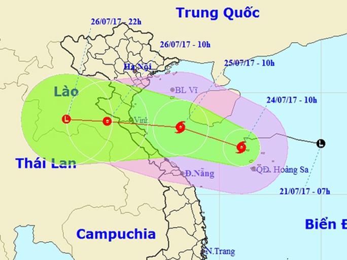 Bão số 4 uy hiếp các tỉnh miền Trung, cảnh báo mưa lớn - Ảnh 1.