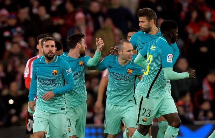 Barcelona cần nhanh chóng trở lại quỹ đạo chiến thắng để bám đuổi đội đầu bảng Real Madrid Ảnh: REUTERS
