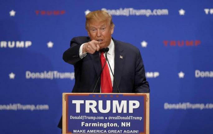 Ông Trump thường công kích những báo đài đưa tin tiêu cực về mình. Ảnh: Reuters