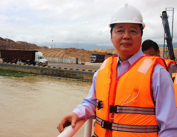 Bộ trưởng TN-MT lên tiếng về vụ nhận chìm bùn thải xuống biển Quy Nhơn - Ảnh 1.