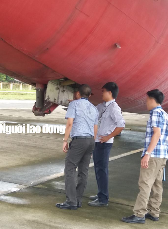 Bất ngờ với nội thất máy bay Boeing bỏ rơi 10 năm ở Nội Bài - Ảnh 2.